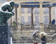 Rodin nevado en la Plaza del Castillo